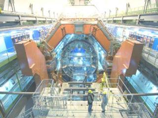 CERN 研究所 LHC 加速器 ALICE 実験